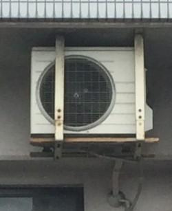 エアコン室外機が天吊りや壁付け