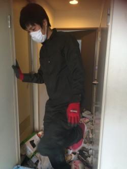 大阪市中央区でゴミ屋敷の片付けを即日作業
