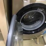 ドラム式洗濯乾燥機を置くと、この様に存在感バツグンです